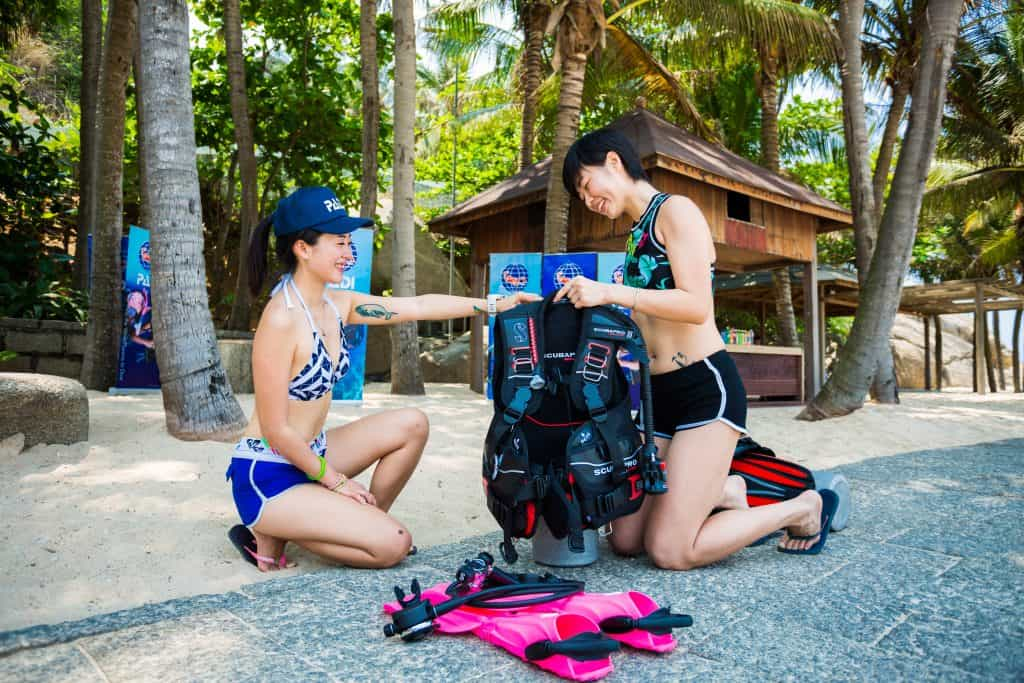 Student diver with Thresher Shark Divers Malapascua